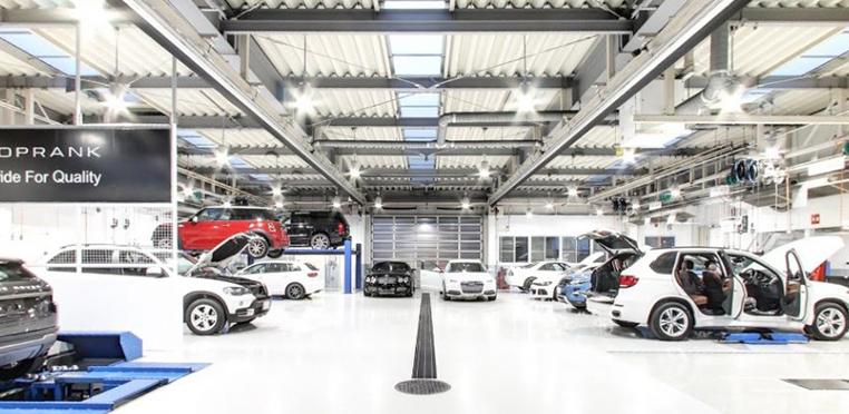 高い基準をクリアしている指定工場で安心車検。車検代行料50%OFF!