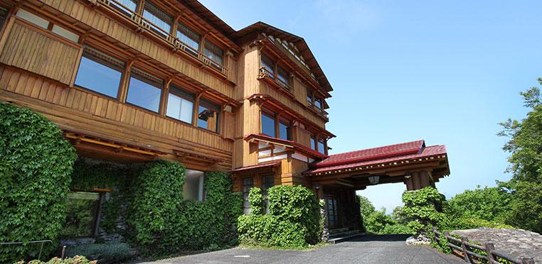 どこよりもおトクな藤田観光リゾート施設のご案内!十和田湖西湖畔の高台に佇む秋田杉の宿 十和田ホテル